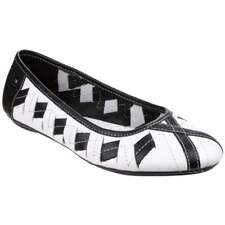 Hush Puppies Emmaline Chaste White and Black Flat Slip On Pumps Shoes Size 3
