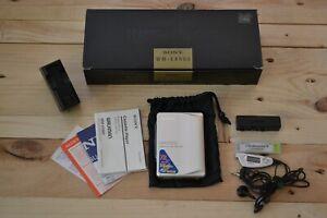 Stereo cassette Walkman Sony WM-EX900 con accessori Full Metal vintage boxed