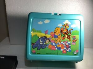 Vintage Plastic Lunch box WINNIE THE POOH Disney Picnic scene