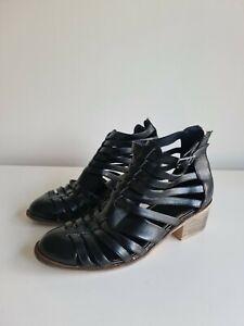 Zu Black Leather Shoes Sz 8
