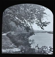 c1890s Magic Lantern Slide Photo View On The River Thames Sonning Parade Path