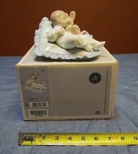"TRANQUIL LLADRO #6791 "" TAKING A SNOOZE "" BABY SLEEPING-EXCELLENT/MINT w/ O.BOX"