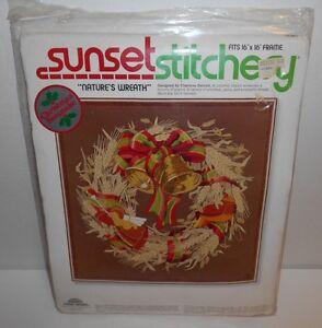 "1978 Sunset Stitchery Nature's Wreath Christmas Keepsake 16"" x 16"" New Old Stock"