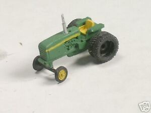 N Scale 1986 John Green Tractor with Dual Wheels