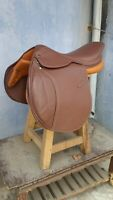 """English Close contact leather saddle 17"""" perfect size with Flexible tree"""