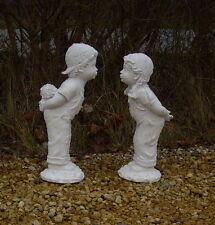 Couple, statues garçon avec bouquet & fille en pierre reconstituée
