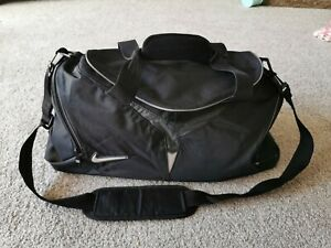Nike Black Gym Sports Shoulder Holdall Bag