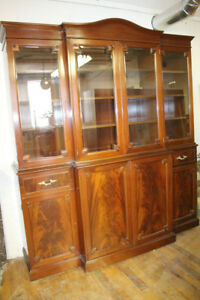 Magnificent English Regency Style Mahogany Breakfront Cabinet Bookcase, c. 1920