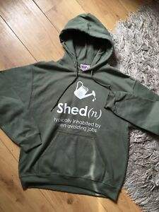 """Can Clothing Mens Medium Size Olive Green Funny """"Man shed"""" Graphic Hoodie New"""