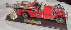 Franklin Mint 1/32 1922 Ahrens Fox R-K-4 Fire Engine Truck w Wood Base!