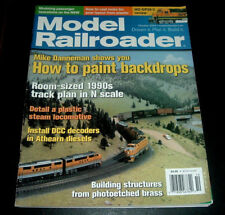 MODEL RAILROADER MAGAZINE ~OCT. 2004 ~HOW TO PAINT BACKDROPS~DETAIL A LOCOMOTIVE