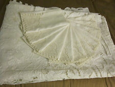 Early Antique French Pure Linen Figural Richelieu Tablecloth and 12 Napkins Set