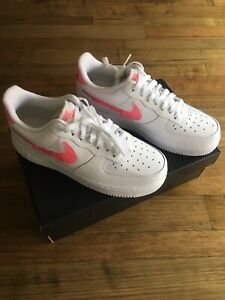 Nike WMNS Air Force 1 07 SE Size 8US New In Box, White / Pink
