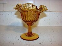 VINTAGE AMBER GLASS  FOOTED DECORATIVE DISH  STUNNING COLOR  AMBER