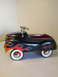 TELEFLORA HOT ROD HOTROD METAL PEDAL CAR 2004 BLACK RED FLAMES 10X6X6