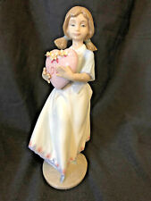 "Lladro ""European Love"" 7 3/4"" 1993 Daisa Girl with Heart Figure Spain"
