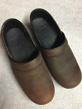 Dansko Womens Brown Leather Slip On Work Clogs Shoes Size Sz 37 U.S. 6.5 M