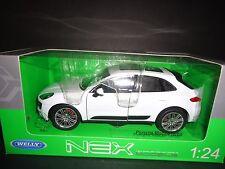 Welly Porsche Macan Turbo White 1/24
