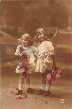 Children Enfants Girls Filles Fillettes, Roses Fleurs Flowers, Dix 1920