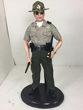 1/6 POLICE OFFICER DEPUTY SHERIFF PATROL SGT WITH STAND BBI DRAGON DID 21ST