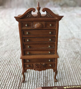 "Bespaq Walnut Chest Of Drawers Cabinet Shelf HALF INCH 1:24  1/2"" Scale 5378"