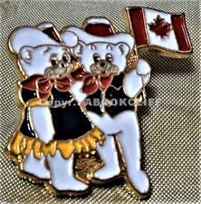 1988 OLYMPICS MASCOTS w/ FLAG HIDY & HOWDY GREETINGS CALGARY Lapel Pin Mint