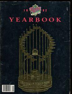 1992 Minnesota Twins Yearbook EX 010517jhe