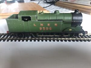 Hornby Dublo 3 rail LNER Class N2 0-6-2T tank locomotive (No 9596) in LNER green