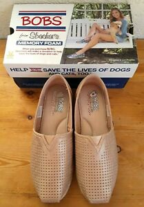 Women's BOBS SKECHERS City Glam Rose Gold Sneaker Shoes Memory Foam Size 8 Box