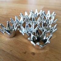 10 x Kleine Kronen Royal Mini silber Dekoration Figur Kunststoff Tischdekoration