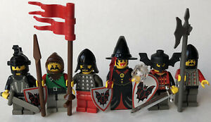 LEGO CASTLE KNIGHT FRIGHT KNIGHT MINIFIGURE LOT WITH WEAPONS SHIELDS SWORDS