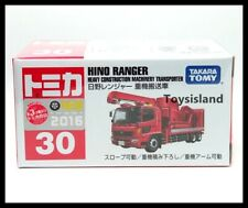 TOMICA 30 HINO RANGER HEAVY CONSTRUCTION MACHINERY TRANSPORTER TOMY 2016 (A)