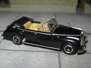 Ricko 38427 - Mercedes Benz 300 C Cabrio - schwarz