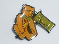 Collectible Pins - HARRODS Dept Store Bear Logo Pin c/w original Box - VINTAGE
