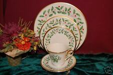 4 Lenox  HOLIDAY GOLD 5 Piece Place Settings NEW USA