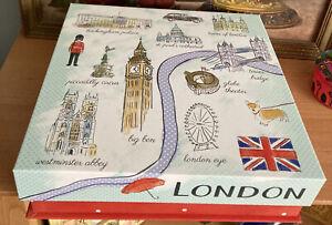 Molly & Rex London Magnetic Closure Box & Plastic Window Royal Coat Of Arms U.K