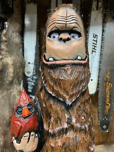 BIG FOOT holding CARDINAL Chainsaw Carving SASQUATCH Statue CHERRY Wood UNIQUE!