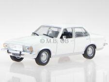 Opel Rekord D 1972 bianco modellino in Vitrine 1:43