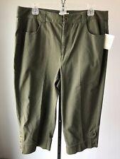 Christoper & Banks Green Stretch Capri Pants NWT! 14