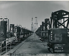 CALIFORNIA c. 1950 - Pumps Pumping Oil  USA - GF 308