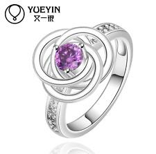 Venditore del Regno Unito BELLISSIMA FASHION 925 Argento riempito Viola Zircone Crystal Ring Taglia 8