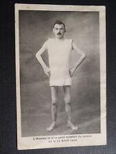 CPA L'HOMME LE PLUS PETIT DU MONDE NE LE 2 AVRIL 1902
