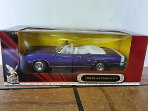 Road Signature 1970 Dodge Coronet R/T Convertible 1:18 Diecast Model Car