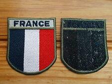 Patch tricolore ecusson insigne France opex brodé bleu blanc rouge, bord kaki