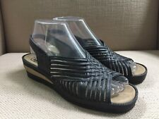 HAPPY FEET BLACK RUBBER/PLASTIC WEDGE SLINGBACK SANDALS SIZE 25 (US 7-7.5)