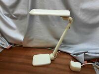 Lival Senior Schreibtischlampe weiß, 11W Leuchte, Büro, mit Tischfuß