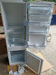 Bosch KIV38X22GB Integrated Fridge Freezer 70/30 Split A+ Energy Rating new