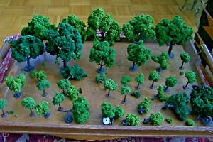 35+ GREEN TREES FOR TRAIN LAYOUT-HO SCALE....