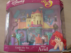 Disney Under the Sea Palace Little Mermaid 1995 Vivid Imaginations New In Box