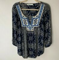 Solitaire Women's Top Size Large Floral Embroidered Neckline 3/4 Sleeves Casual